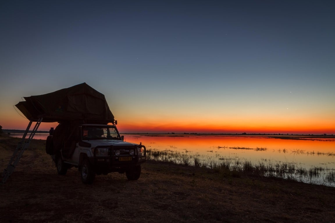 Individuele reizen Botswana: Met een kampeervoertuig kunt u op vele mooie plekjes kamperen (foto: Igor Callaerts).