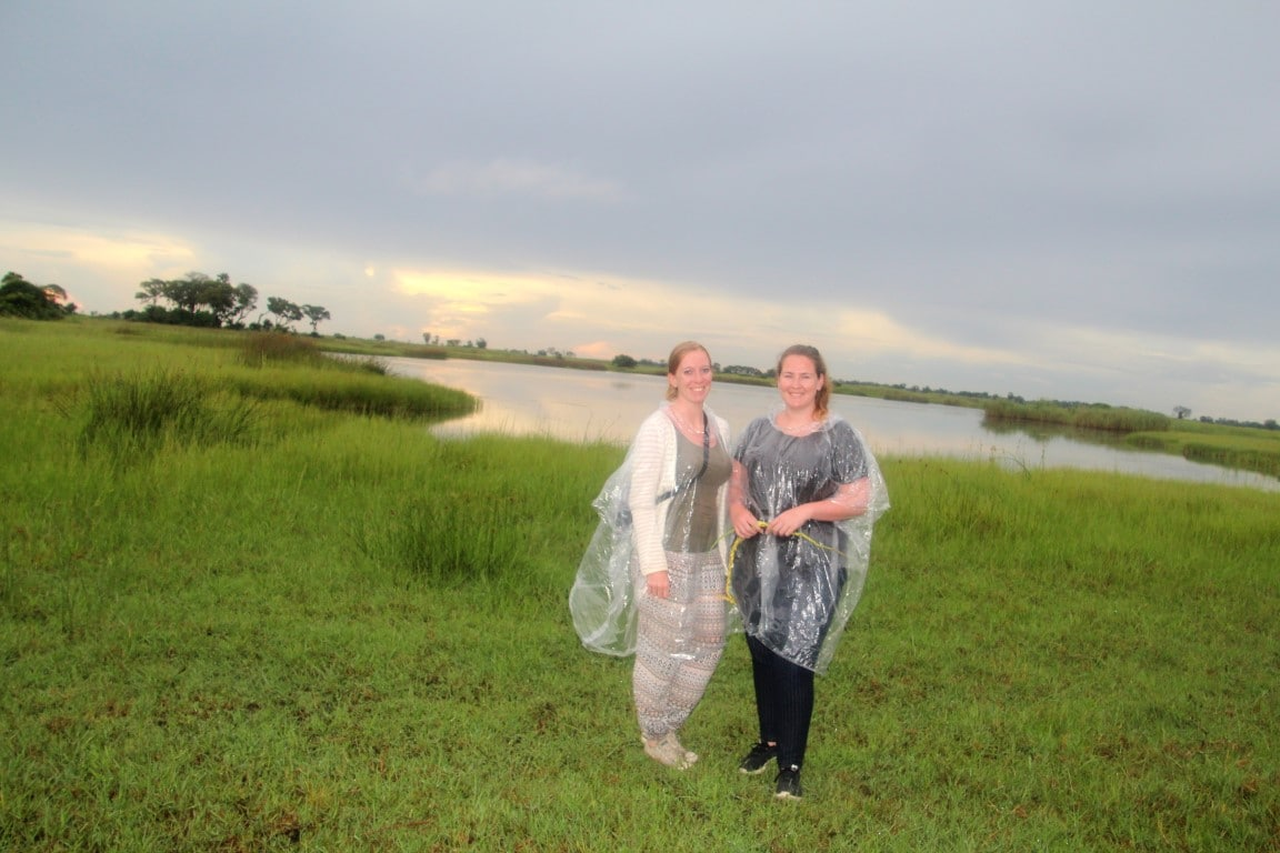 Nieuws uit Afrika: Plastic poncho's lijken op dit moment nog wel te mogen