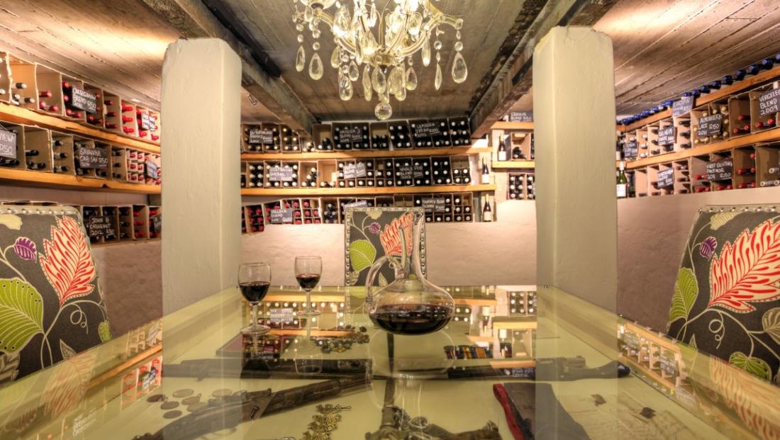 The Cavern - wijnkelder