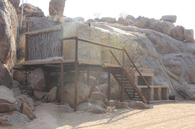 Madisa Camp - badkamer bij kampeerplaats
