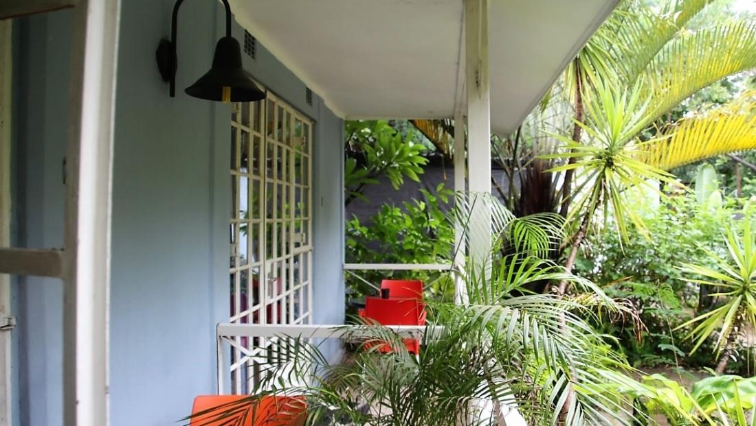 Old House - Klein balkonnetje bij slaapkamer