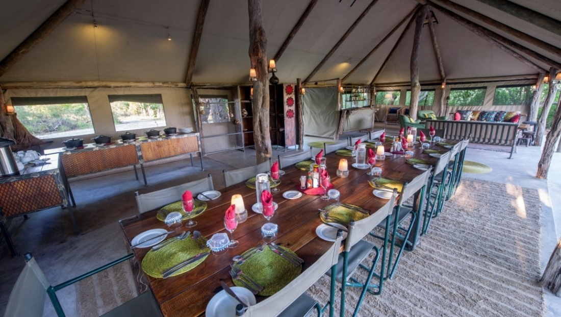 Sango Safari Camp - Restaurant en lounge
