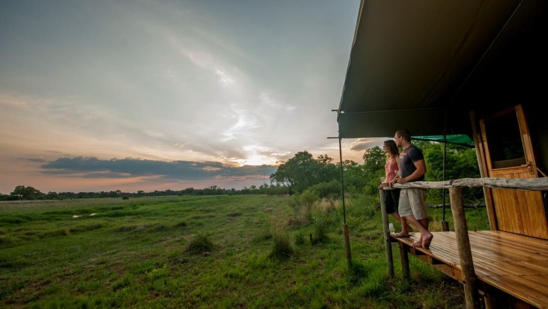 Sango Safari Camp - Uitzicht vanaf privé terras bij slaapkamer