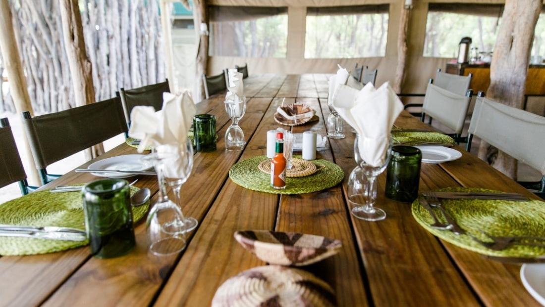 Sango Safari Camp - Mooi gedekte tafel