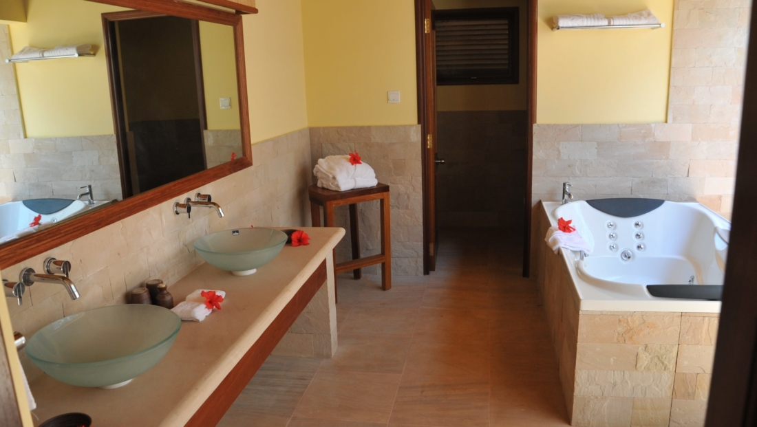 Cerf Island Resort - badkamer