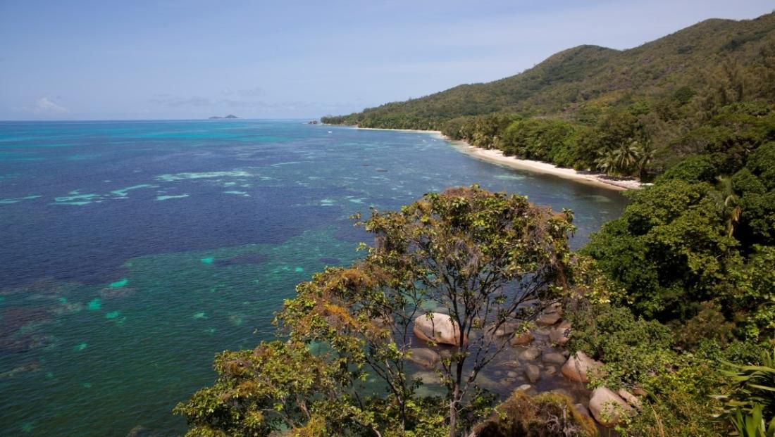 Coco de Mer - uitzicht op zee