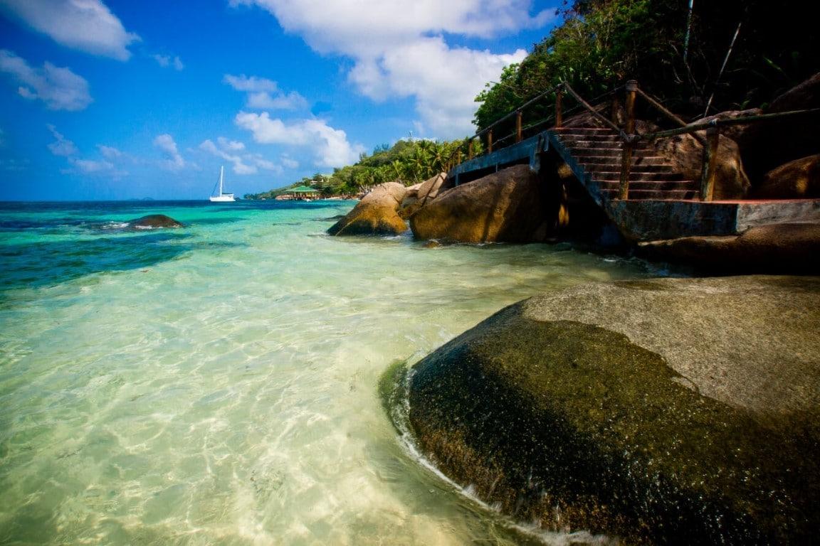 Coco de Mer - heldere zee