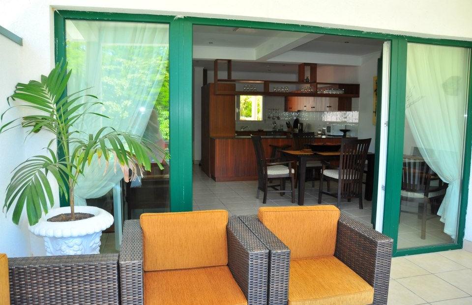 Hanneman Resort - terras bij hotelkamer