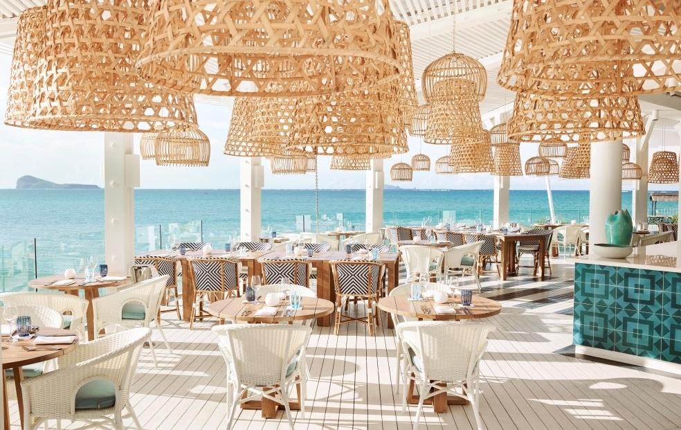 Lux Grand Gaube - Restaurant met uitzicht op zee