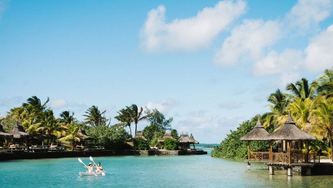 Paradise Cove - Kanoen in baai