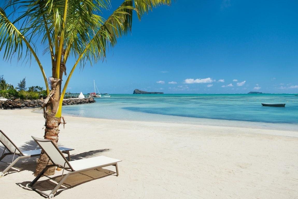 Safari & Strand reizen Afrika - Wit zandstrand en azuurblauwe zee bij Zilwa Attitude, Mauritius