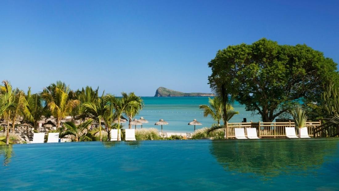 Zilwa Attitude - Zwembad met uitzicht op zee