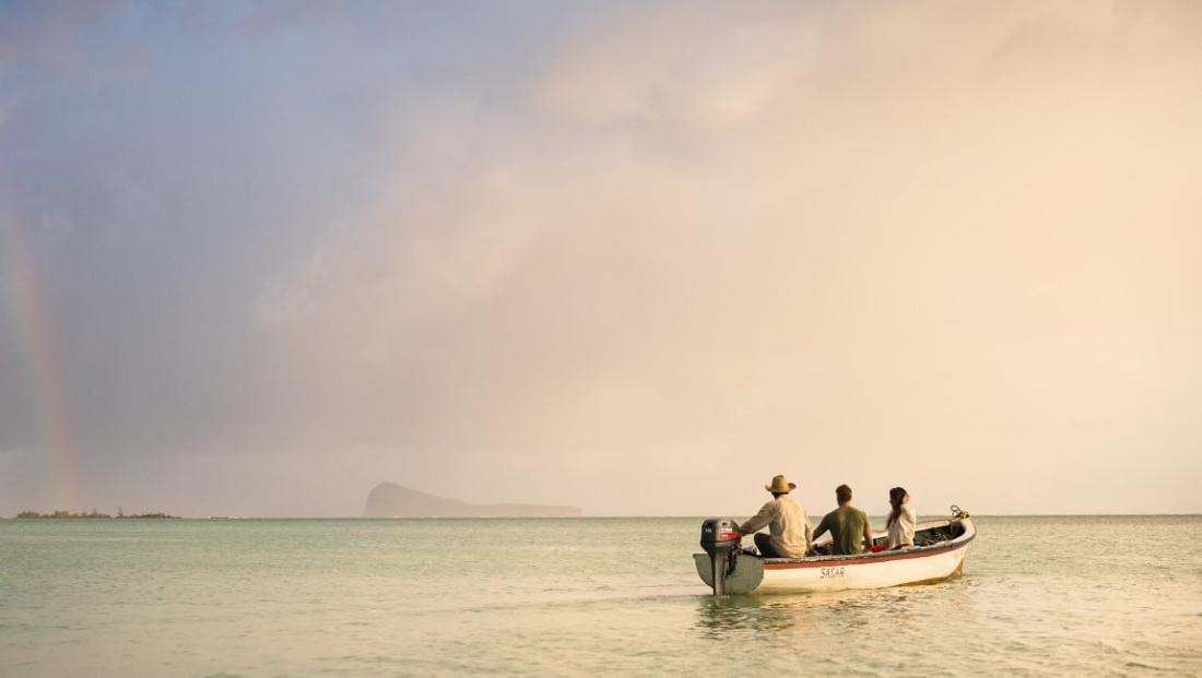 Zilwa Attitude - Bootje op zee