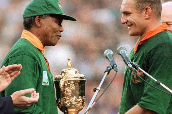 Nieuwsbrief Out in Africa - Springboks Wereldkampioen, Mendela en Pienaar