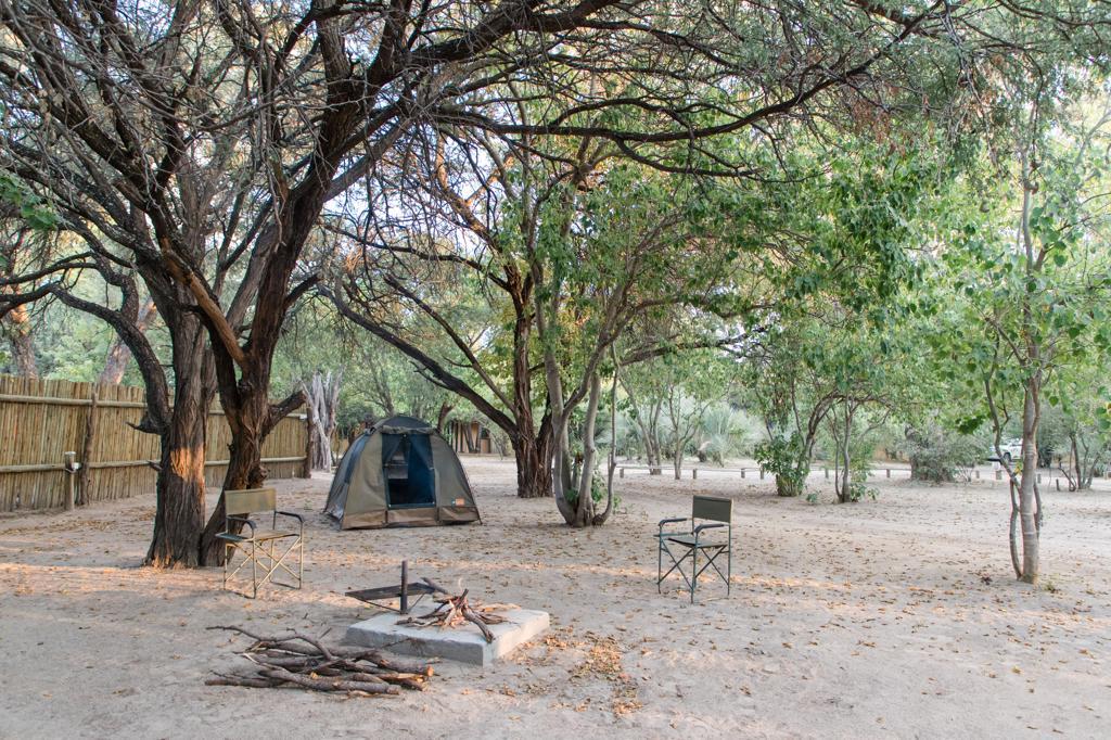 Kamperen Botswana: De kampeerterreinen in Botswana zijn meestal zeer ruim.