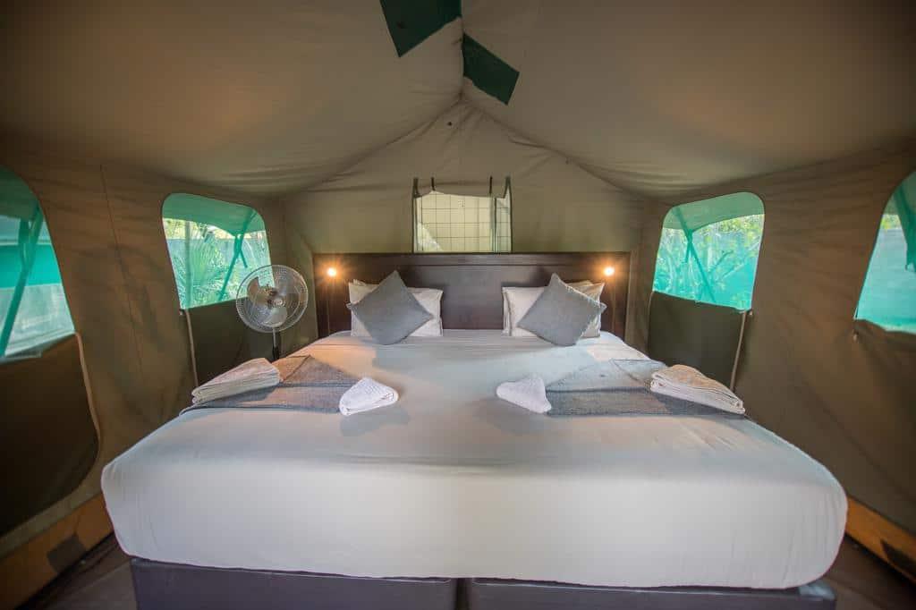 Kamperen Botswana: Kamperen in comfort en met eigen badkamer.