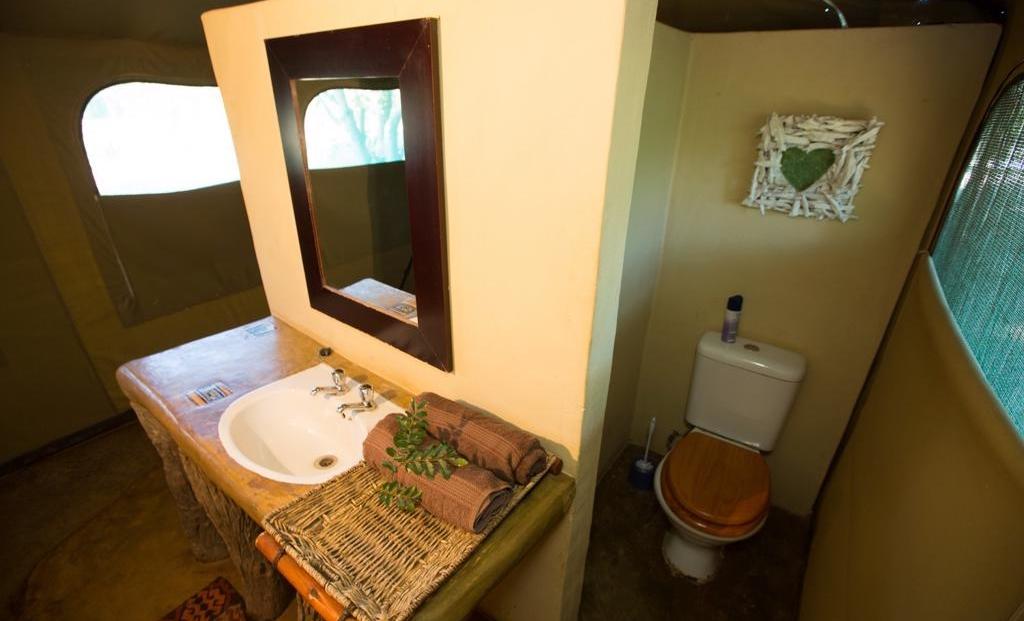 Serolo Safari Camp - En-suite badkamer