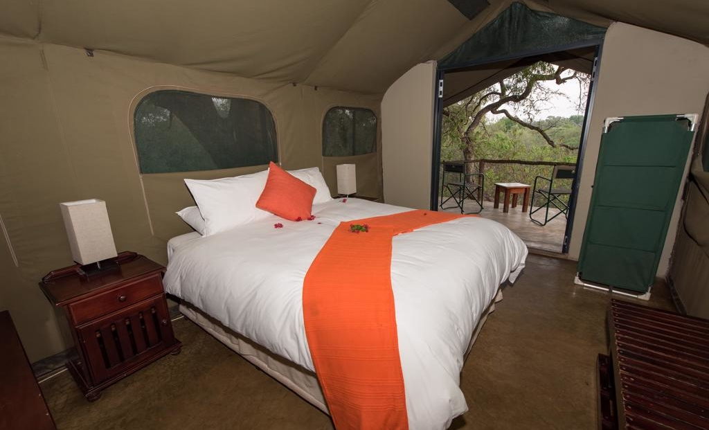 Serolo Safari Camp - Safari tent met uitzicht over de bush