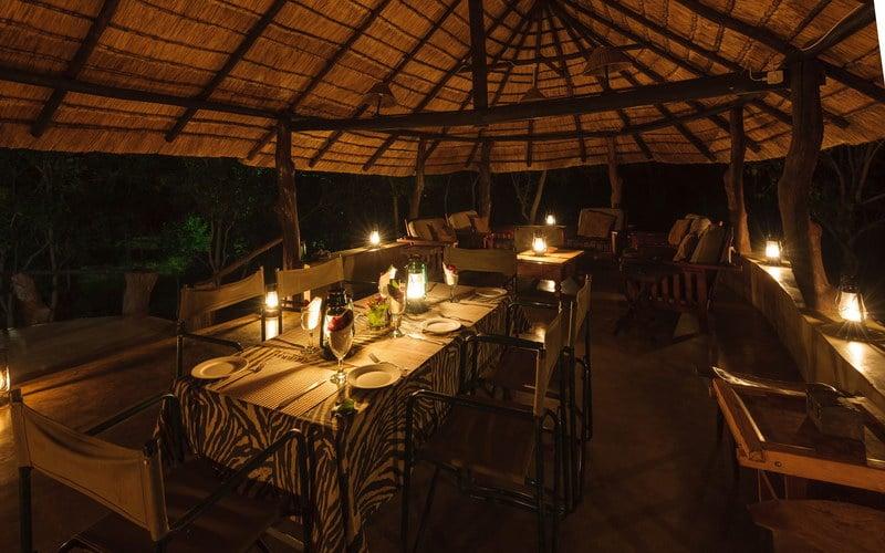 Serolo Safari Camp - Diner bij kaarslicht