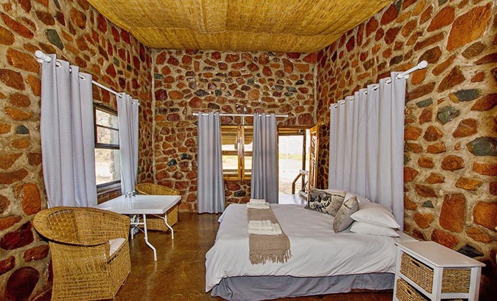 Brandberg White Lady Lodge - Slaapkamer