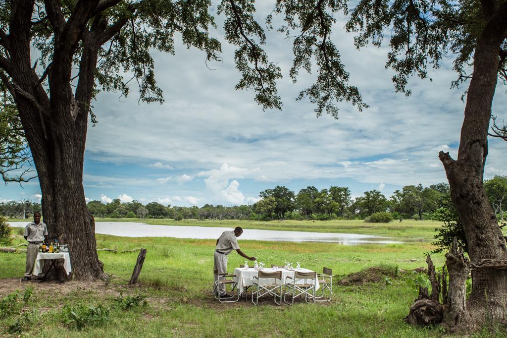 Camp Moremi - Ontbijt midden in de bush