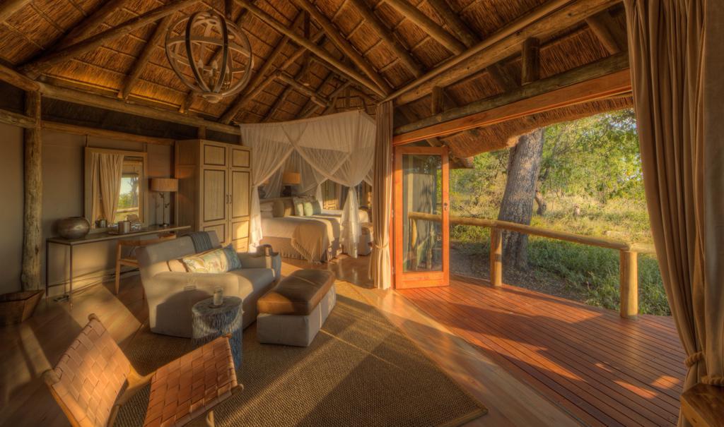 Camp Moremi - Lounge gedeelte in slaapkamer