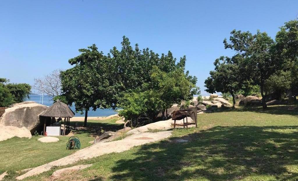 Chembe Eagles Nest - Tuin aan Lake Malawi gelegen