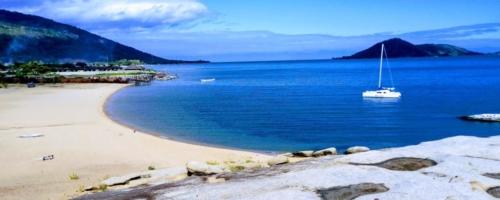 Lake Malawi - Strand, water, bergen