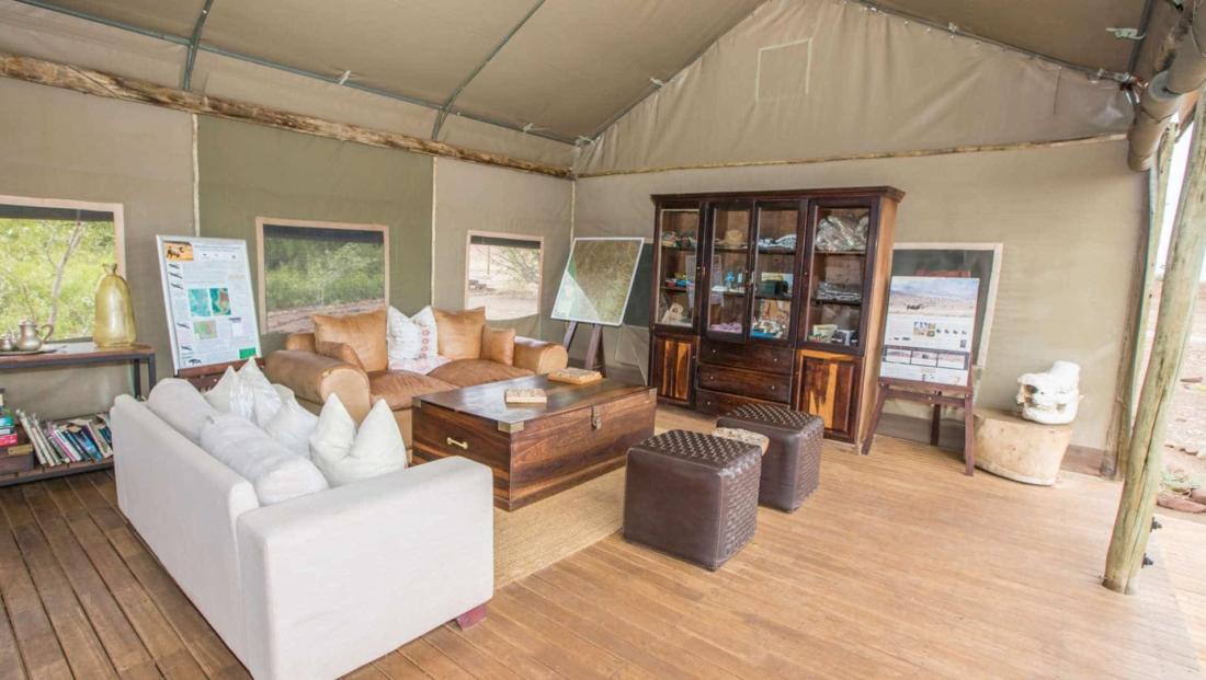 Desert Rhino Camp - Lounge