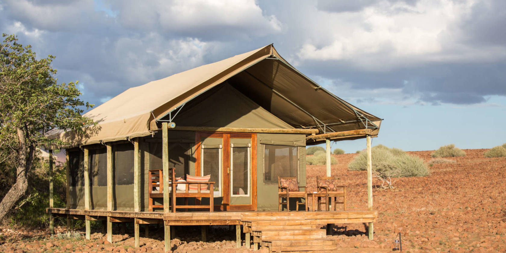 Desert Rhino Camp - En-suite safaritent met eigen terras