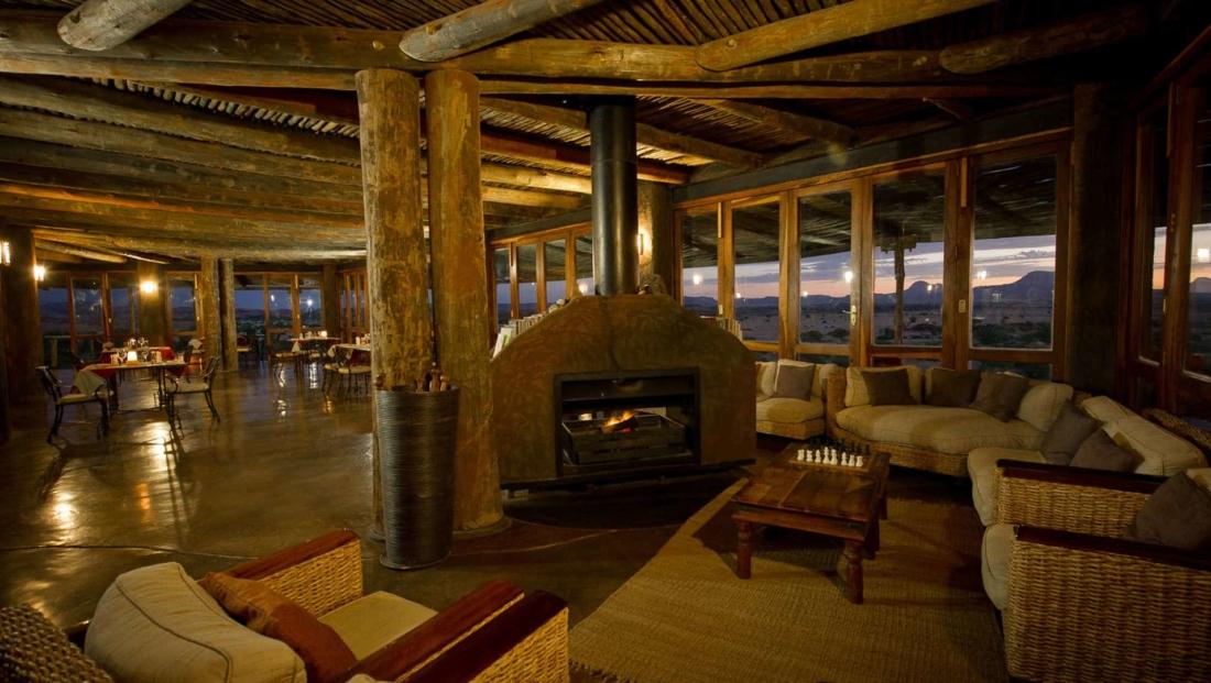 Doro Nawas - Lounge en restaurant