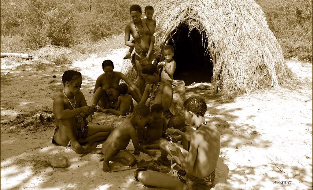 Fiume Bush Camp - San familie