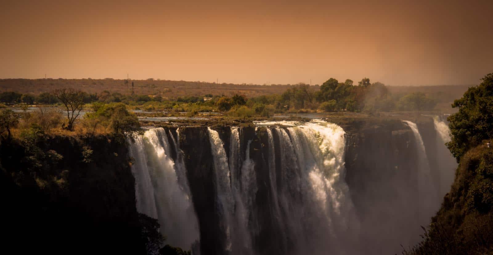 Individuele reizen Botswana: De Victoria Watervallen kunnen bezocht worden vanuit Kasane.