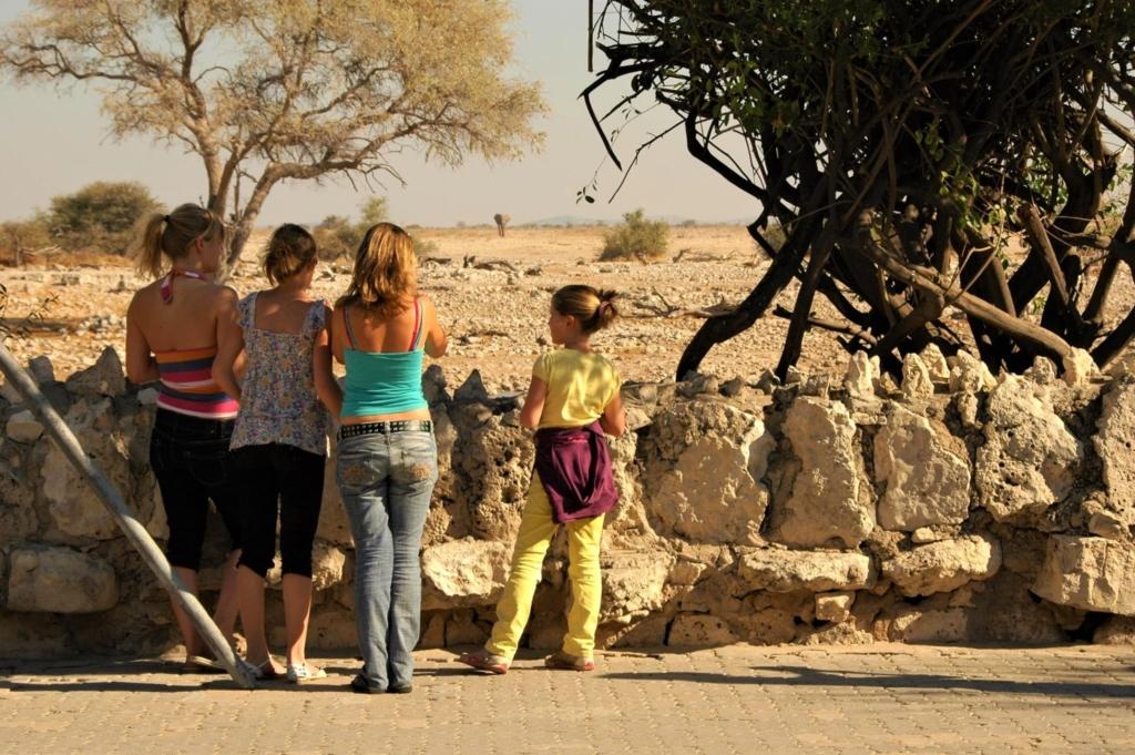 Meest geschikte landen voor vakantie met kids - Etosha National Park - Kinderen bij Okaukuejo