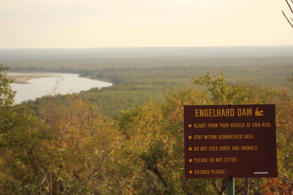 Zelf rijden in Kruger National Park - Op sommige plekken mag je uit de auto