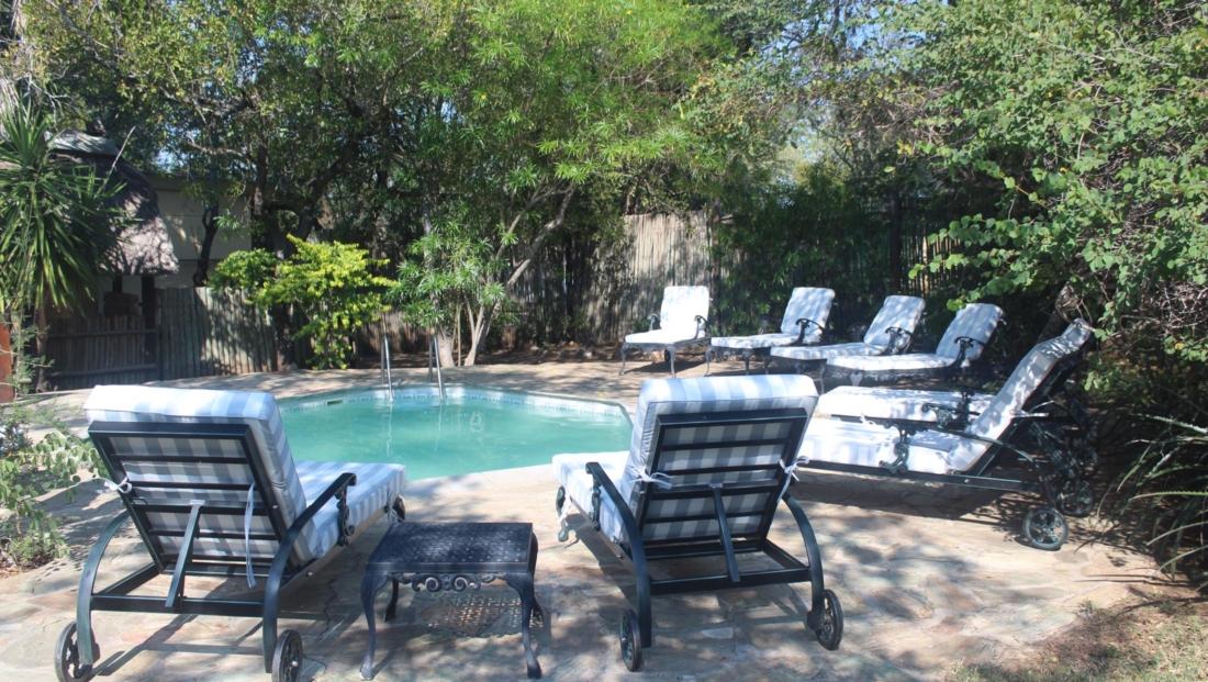 KwaMbili Lodge - Zwembad