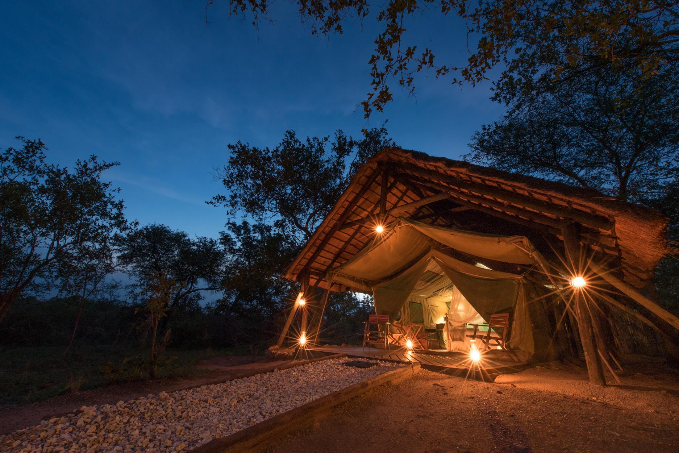 Huwelijksreizen Afrika - Romantiek in een safari tent