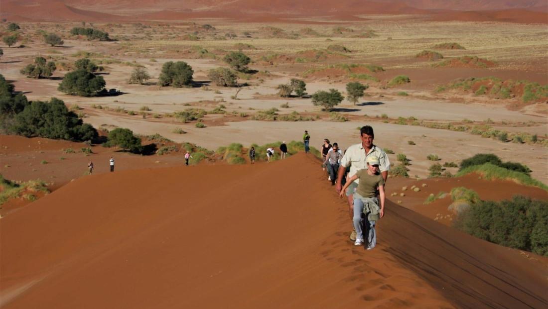 Sossusvlei - Met de hele familie de duinen op