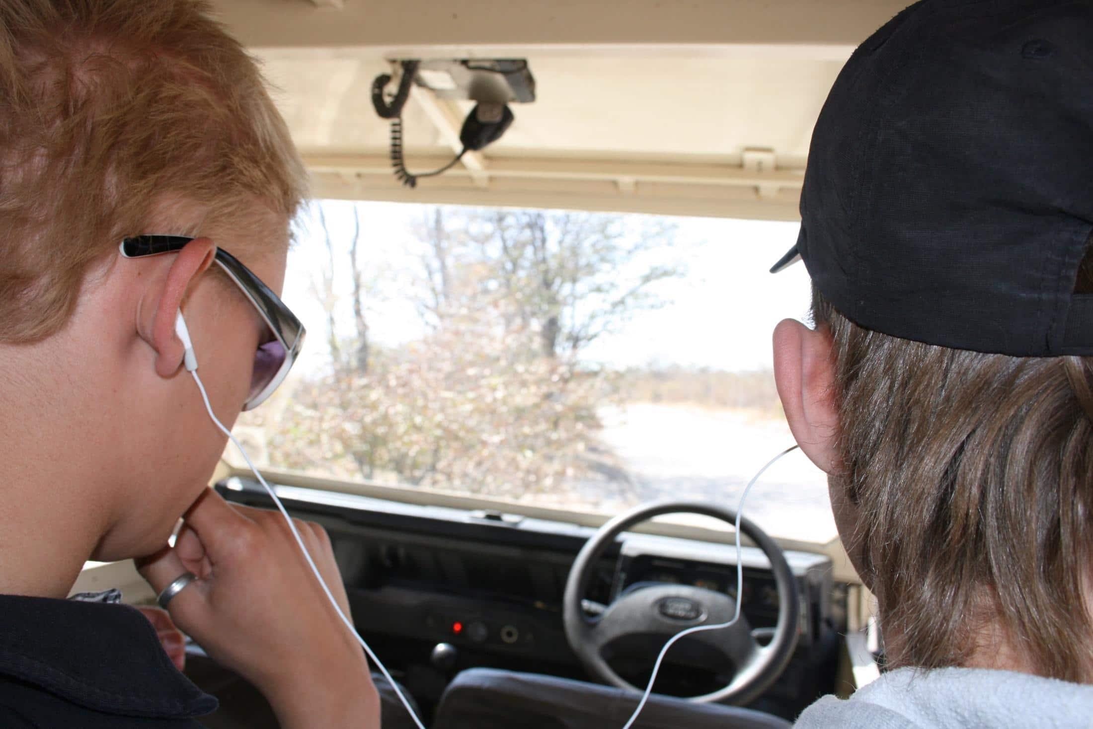 Familiereizen Namibië: Voor veel tieners zijn elektronica en wifi onmisbaar tijdens een reis.