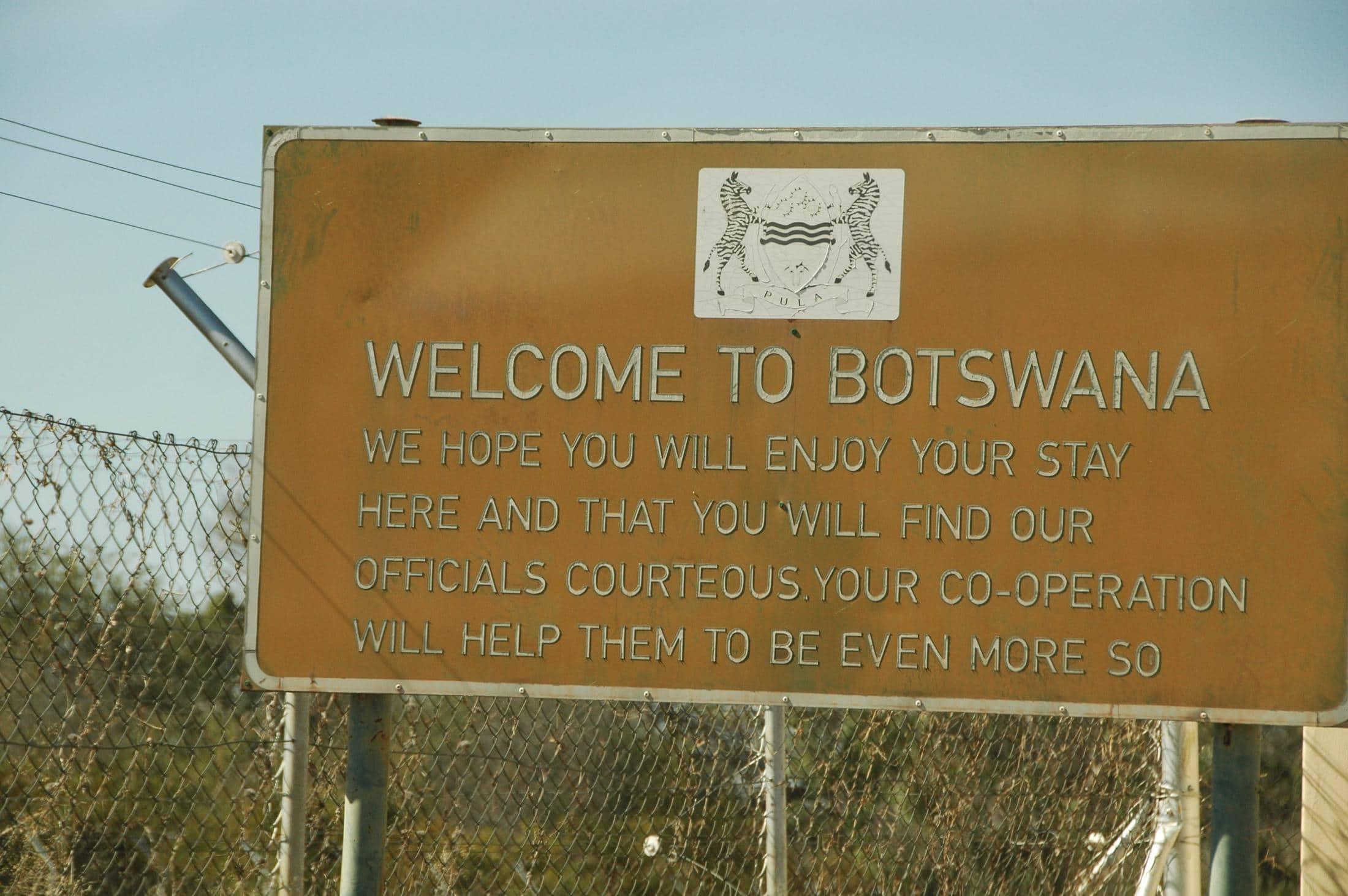 Familiereizen Botswana: Zelf rijden vanuit Namibië of Zuid-Afrika met grensovergangen.