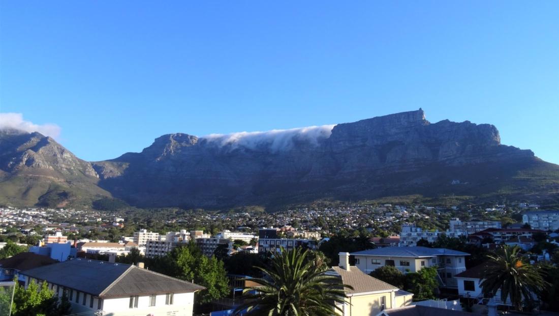 Kaapstad - Tafelberg met deels tafelkleed