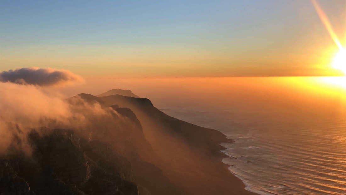 Kaapstad - Uitzicht vanaf Tafelberg bij zonsondergang