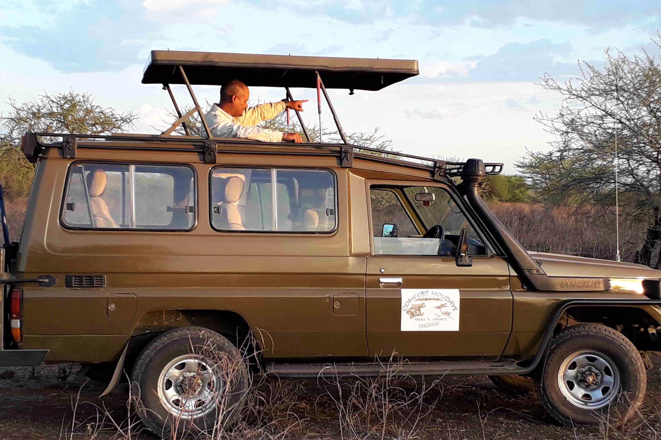 Rondreizen Tanzania - safari voertuig