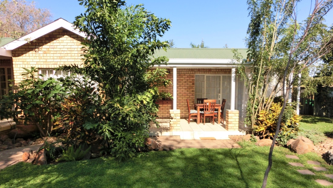 Chobe River Cottages - Self-catering huisjes in mooie tuin