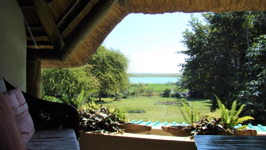 Garden Lodge - Uitzicht vanaf balkon familiekamer