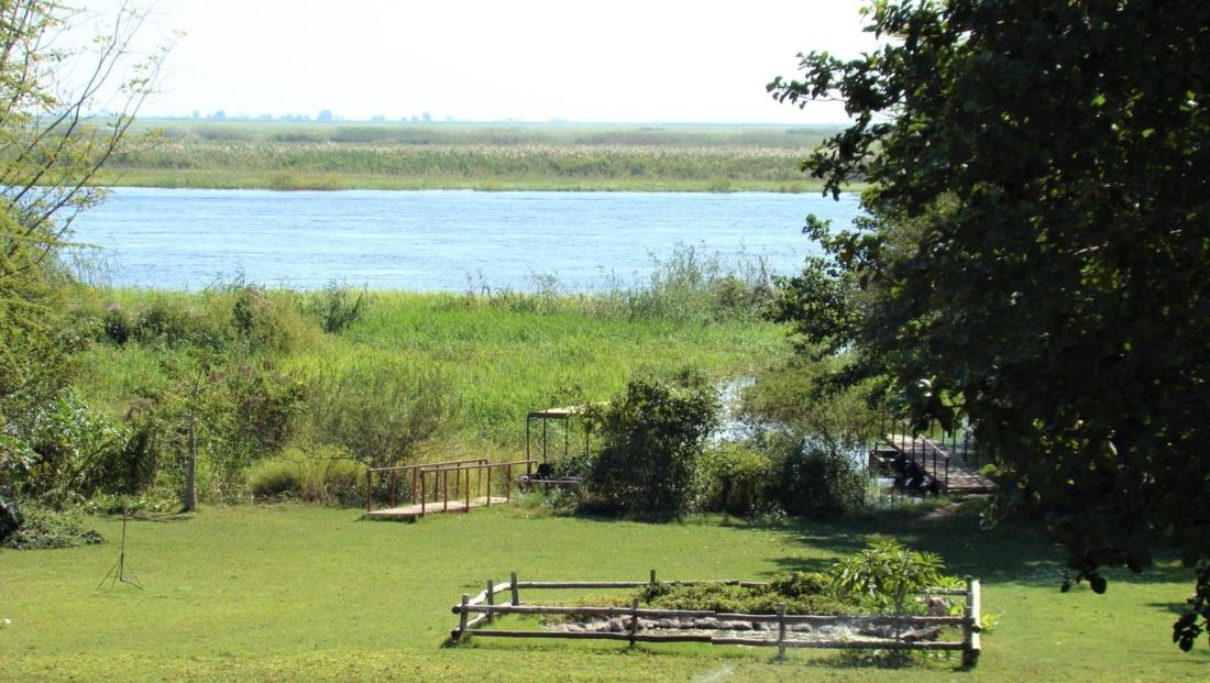 Garden Lodge - Uitzicht op de Chobe Rivier vanuit de tuin