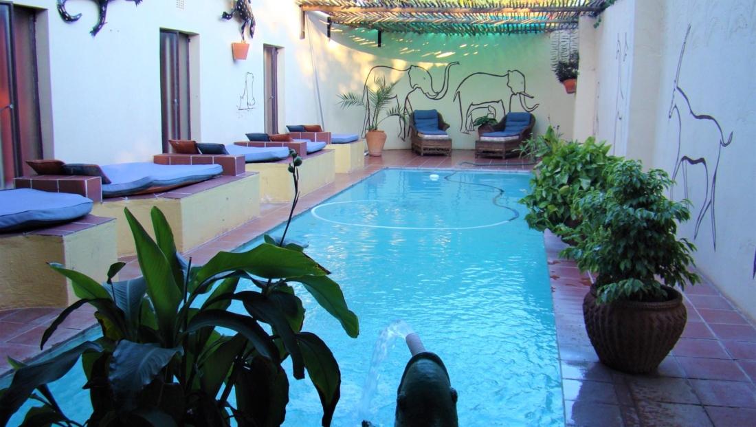 Garden Lodge - Zwembad