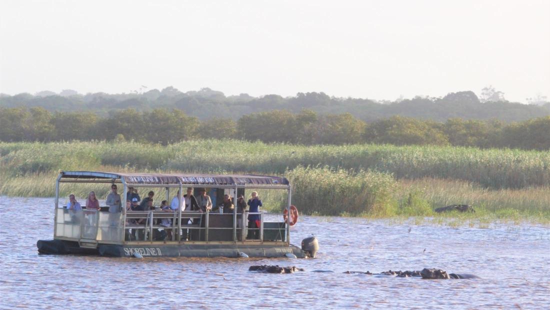 Isimangaliso St Lucia - Nijlpaarden tijdens boottocht