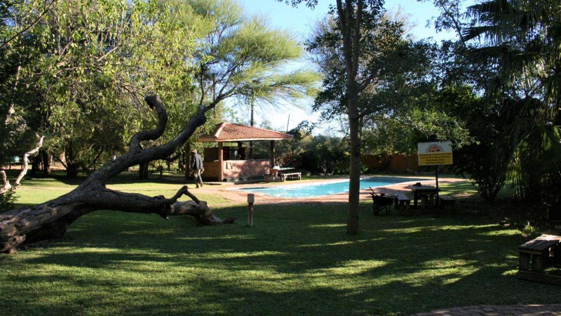 KwaNokeng Lodge - Zwembad
