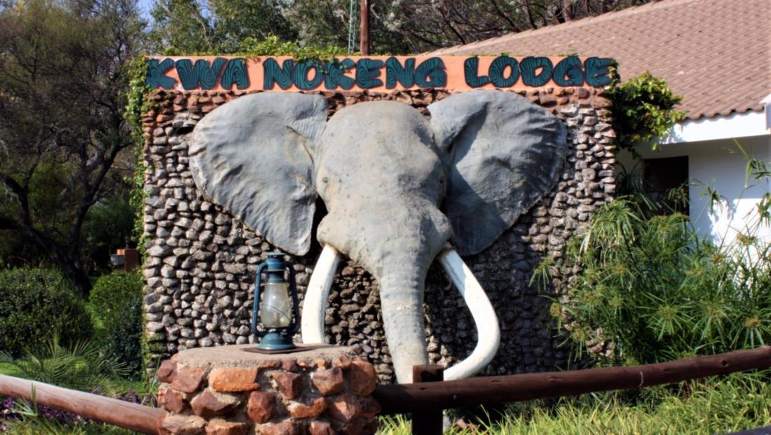 KwaNokeng Lodge - Entree bord olifant